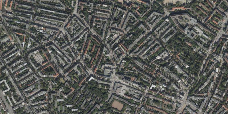 Der Stadtteil Eimsbüttel Ist Geprägt Durch Gründerzeitbauten Und Zeilenbauten Der Nachkriegszeit. Von Einem Klassischen Arbeiterviertel Hat Er Sich Zu Einem Attraktiven Und Teilweise Gentrifizierten Stadtteil Entwickelt. (Luftbild: DOP20 - LGV Hamburg 2017)
