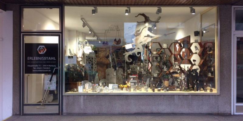 In Einem Leerstehenden Ladenlokal Ist Der Pop-up Store Erlebnisstahl Eingezogen. (Foto: Www.warburg.de)