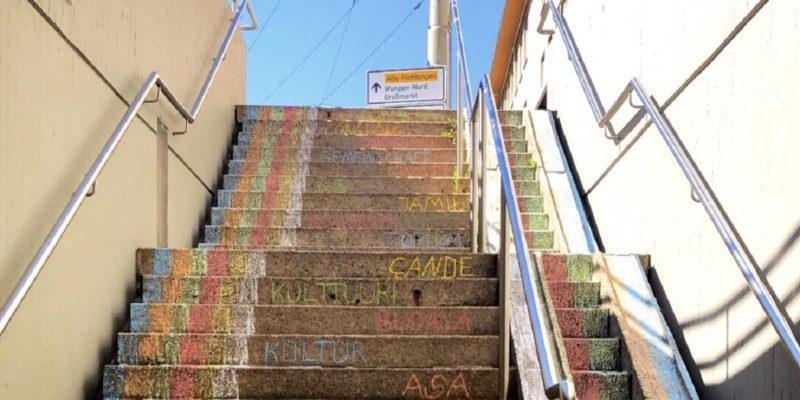 Die Bunte Treppe Begrüße Alle Im Stadtbezirk.