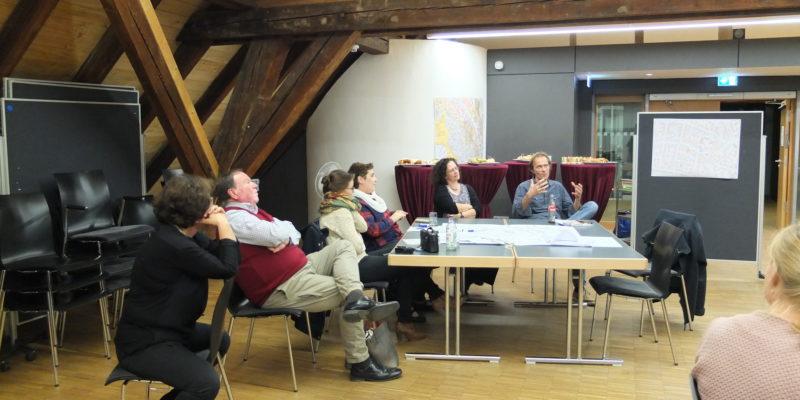 Die Gruppe StadtGesellschaft Und StadtGeschichte Stellt Die Idee Des Stadtspiels Vor