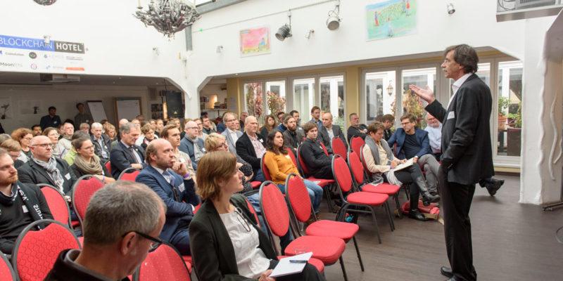 Key-Speaker Auf Der Konferenz Waren Jörn Walter, Ehemaliger Oberbaudirektor Der Freien Und Hansestadt Hamburg Und...