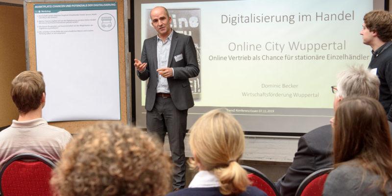 """Workshop 5 """"Marktplatz: Wo Kaufen Wir Morgen Ein?"""" Mit Inputs Von Dominic Becker (Online City Wuppertal) Und Kersten Peter (Unibail-Rodamco-Westfield)."""